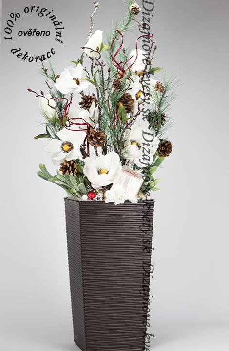 Tradičná a zároveň moderná dizajnová vianočná kvetinová väzba