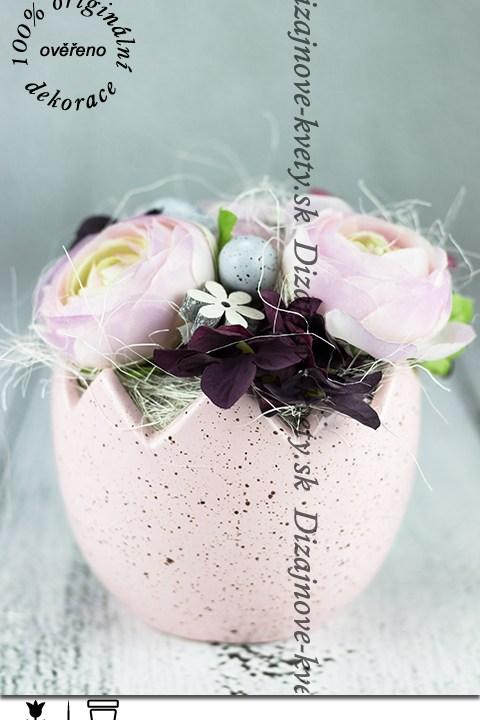 Ružová veľkonočná dekorácia škrupina s pivonkami