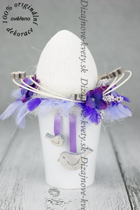Veľkonočné dekoračné vajíčko v hniezdočku