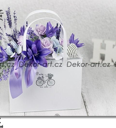 Kvetinová kabelka s levanduľou v štýle Provence