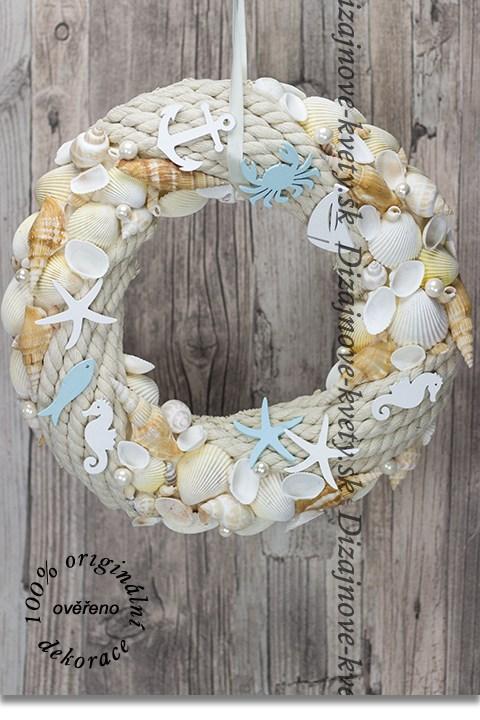 Veniec more s mušľami a perlami