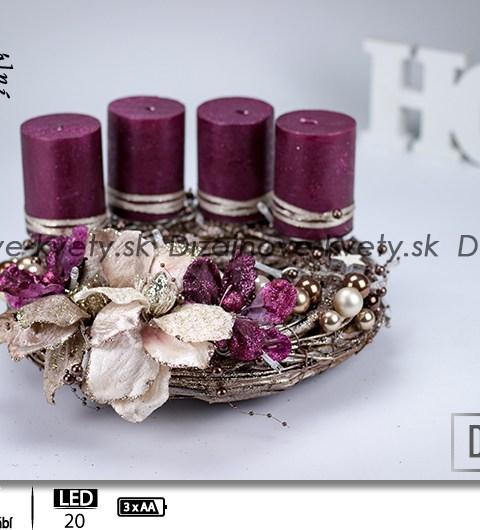 vianočný veniec na stôl, bytový dizajn, bordová odtieň, dizajnové sviečky