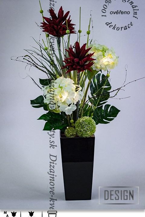 dizajnová dekorácie, červené tropické kvety, interiérová dekorácia, ľad dekorácie