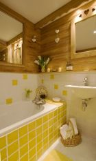 35+ The Appeal Of Yellow Bathroom Decor 67