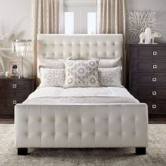 37+ Here's What I Know About Small Master Bedroom Makeover Ideas On A Budget 171