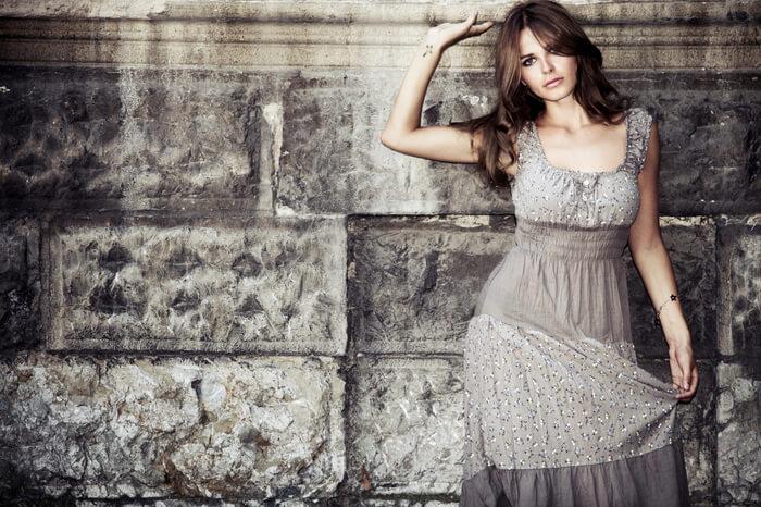 生地が安っぽいプチプラブランドのワンピース   いい加減イタい…アラサー女子のNGファッションアイテム9 ...