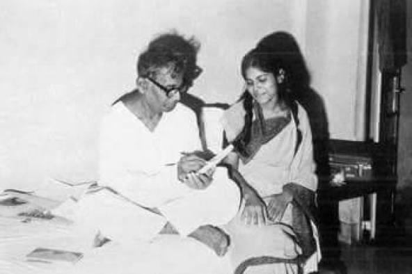 কবি জসিমউদ্দিন এবং ওনার মেয়ে হাসনা, (১৯৭০)