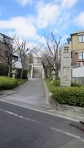 植物園の隣の簸川(ひかわ)神社。こんな字もあるんですね。