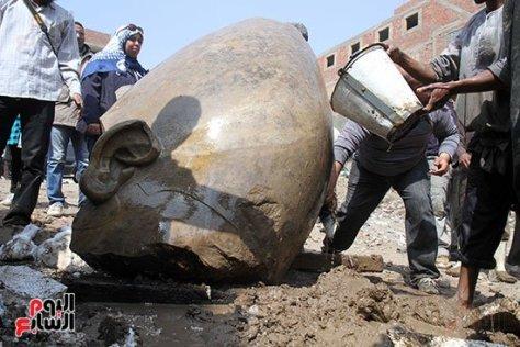 73999-اكتشاف-تمثالين-لـ-رمسيس-الثانى-وسيتى-الثانى-فى-المطرية-(13)