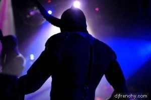 DJ on stage, Dancefloor