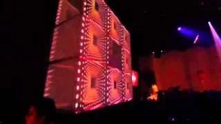 Une scène monumentale avec des murs de LED haute définition pour de fameuses soirées