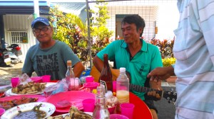 singing and play at the pig killing banquet. 2014 october. 'atolan. photograph by djh