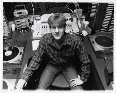 Jed in the KROQ Pasadena control room, cir83