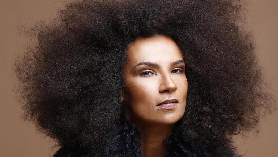 Oum, Daba, nouveau clip, nouvel album, album eponyme, musique sarhaouie, musique marocaine, chanteuse marocaine