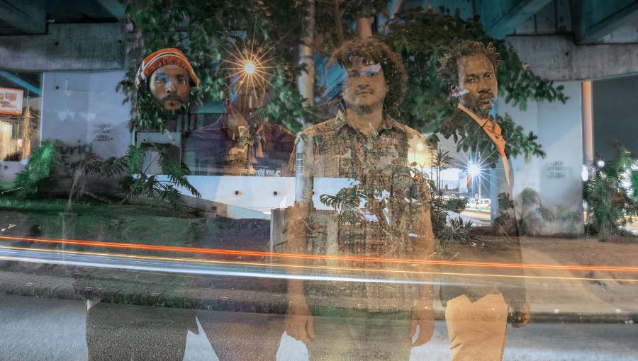 Electrified, Barzo, Un Rojo Reggae band, dubstep, reggae, fusion, costa rica, La Communa, Esteban Zabala, new reggae, regga costaricain, nouveau clip