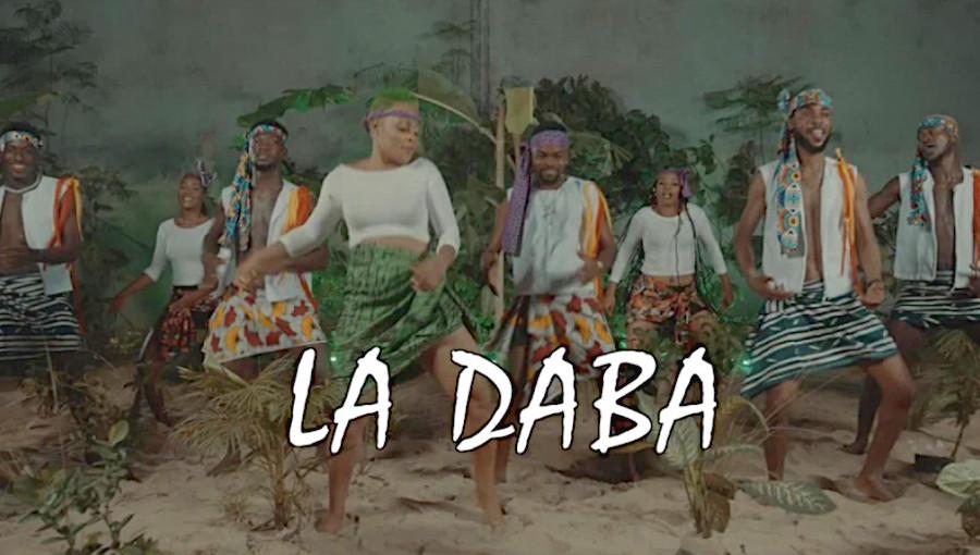 La Daba, Serge Beynaud, Landry Blessing, Tiger Cronz, nouveau clip, nouveau titre, coupé décalé, village, daba, houe, danse, musique ivoirienne, beynomania