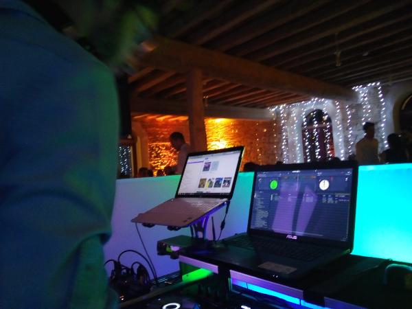 Mariage de JB & A à Fajac la Relenque_11_Equipement DJ_www.djotava.com_Parc Son et Lumière haut de gamme