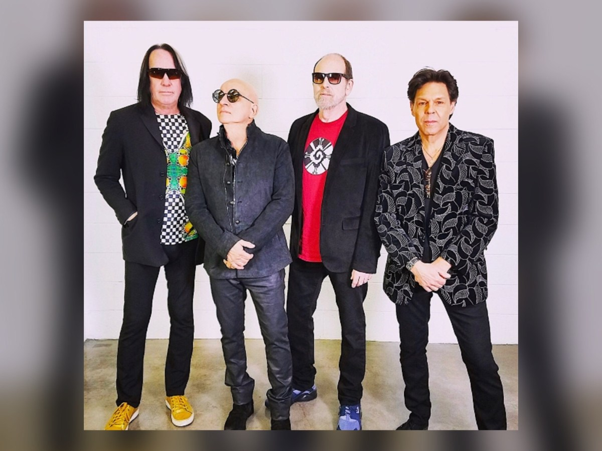 The Road To Todd Rundgren's Utopia Has Multiple Paths; Veers Into The Windy City