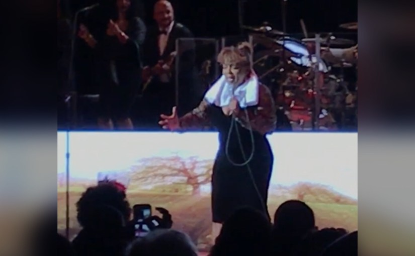 What Retirement?…Songstress Anita Baker Proves She Still Has The Pipes!