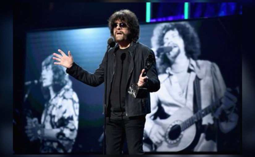 OLÉ ELO –  Jeff Lynne's ELO – with some Orchestral Maneuvers in the Chi! (a review)