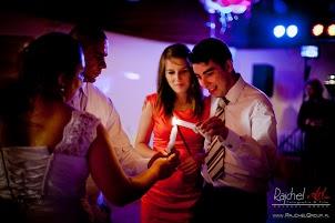 Romanyczny taniec ze świecami