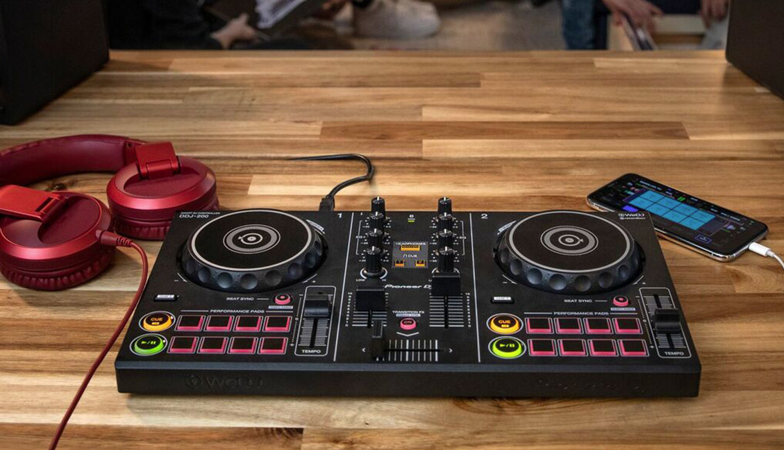 DDJ 200: Pioneer DJ's new $149 beginner controller built