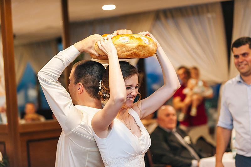 разчупване на питката на сватба