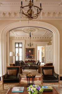 Southern Classic: Historic Charleston Mansion- Dk Decor