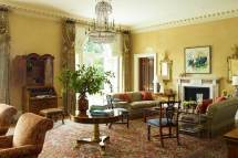 Traditional Home Interiors Living Room Design