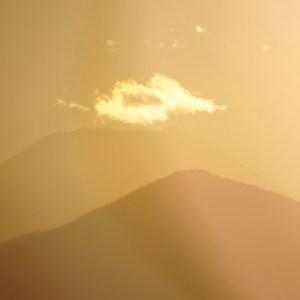 日没前の富士山