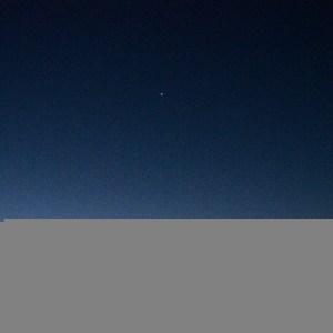 金星と微かに見える水星
