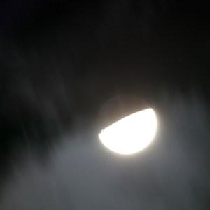 月の地球照