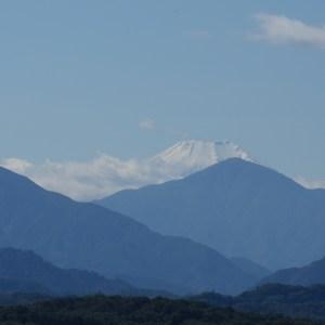 冠雪している富士山