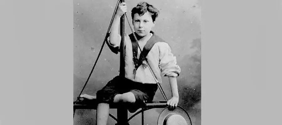 برتراند راسل وهو طفل