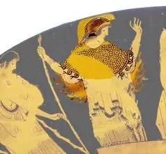 أثينا مدرّعة بالكامل مع خوذة