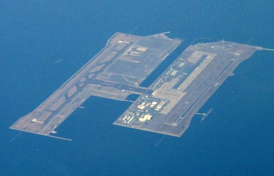 مطار كانساي في اليابان