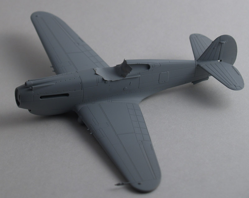 P-40 primed with Mr. Surfacer 1200