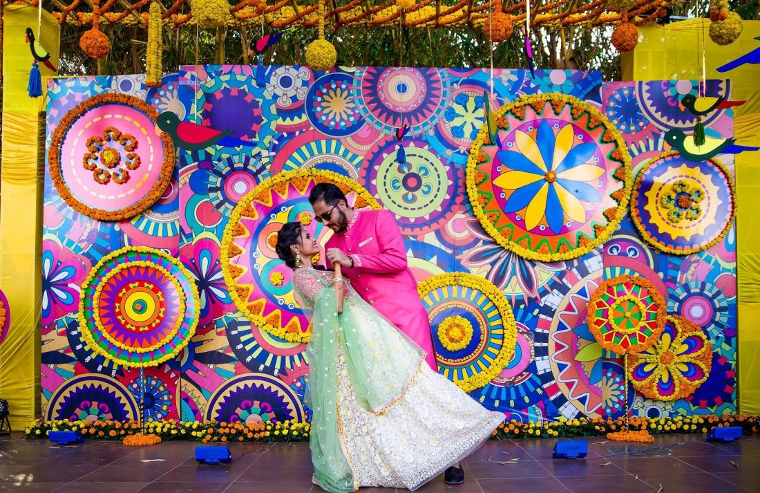 Mela Themed Colorful Mehndi Sangeet Wedding Photography Ahmedabad Anar Dhrumil