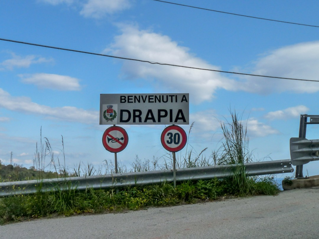 Drapia