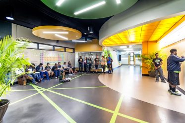 The student exhibition area, located in the core of the science wing, allows for a great deal of flexibility for all science curriculums and a great break out space for small groups and student presentations.