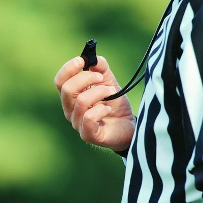 Futbolnyi inventar Svistok arbitra