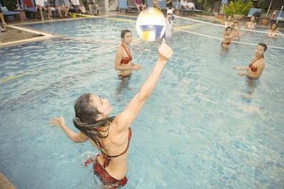 Podacha v voleibole na vode