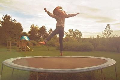 Прыжки на батуте. Соревнования и применение. Плюсы и особенности