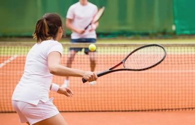 Теннис. Правила и соревнования. Инвентарь и экипировка. Особенности