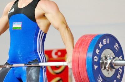 Тяжелая атлетика. Упражнения и одежда. Плюсы, минусы. Особенности