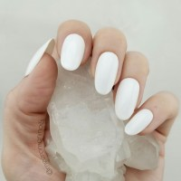 White Press On Nails  MEERO MANI NAILS  Online Store ...