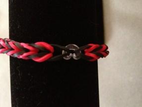"Rainbow Loom Fishtail Red And Black Bracelet - 6 3 4"""