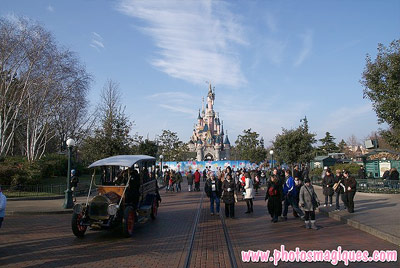 Central Plaza Stage construction