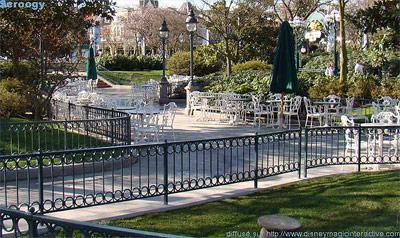 Disneyland Park Hub