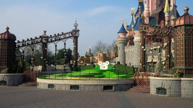 Swing into Spring at Disneyland Paris © DisneylandBerry